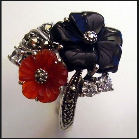 Bague fleur onyx et cornaline