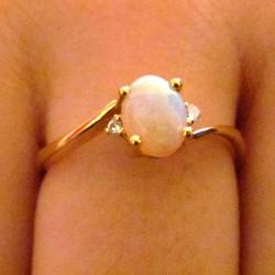 Bague or et opale