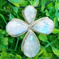 Pendentif croix en pierre de lune et argent